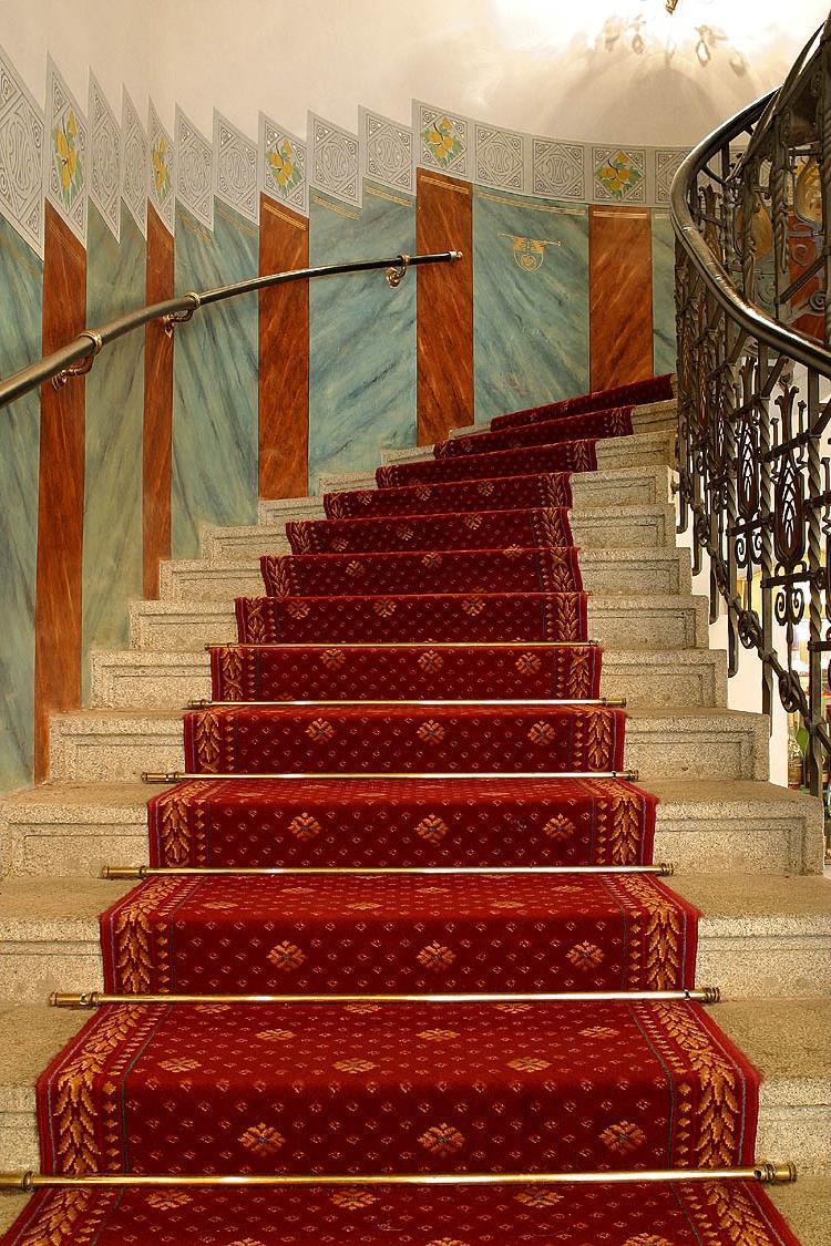Carpet Staircase Photos