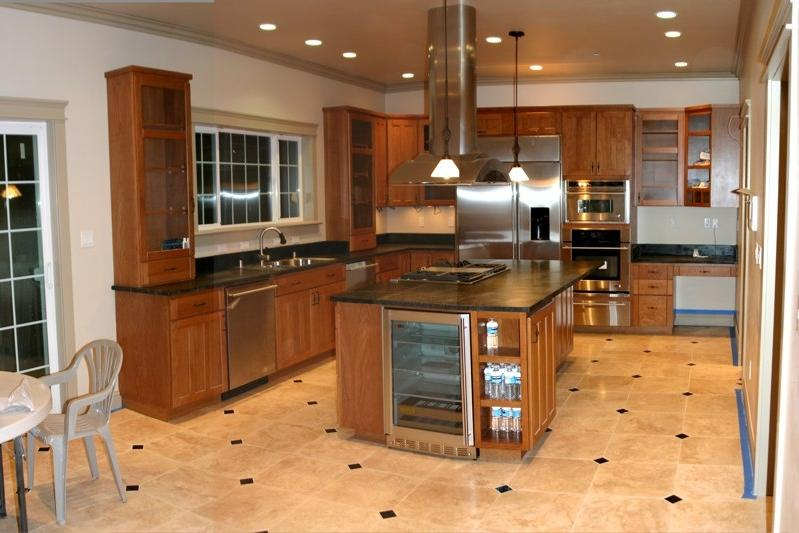 Travertine tile kitchen floor photos for Kitchen floor tile ideas