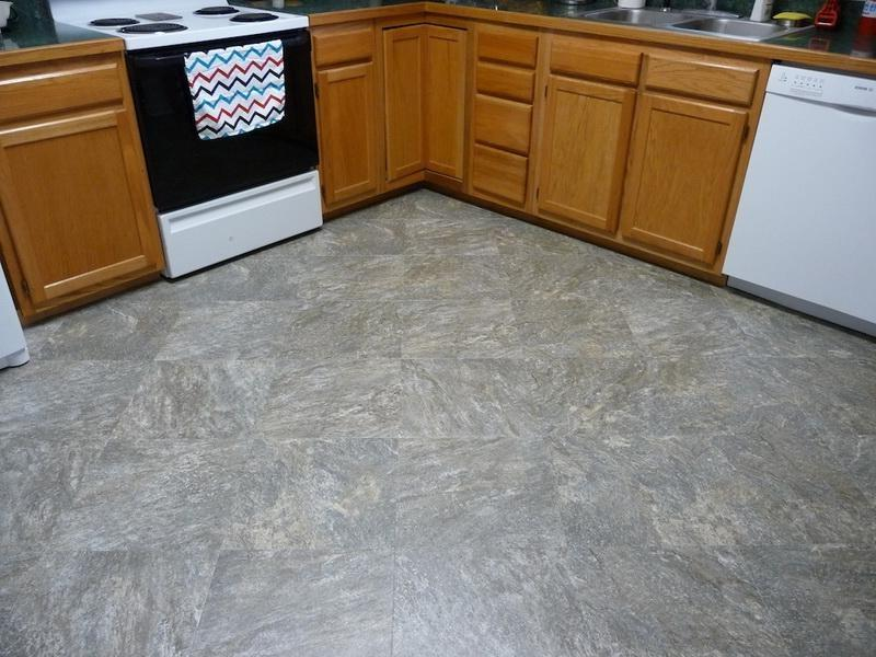 Linoleum flooring kitchen 28 images linoleum rug in for Kitchen linoleum tiles