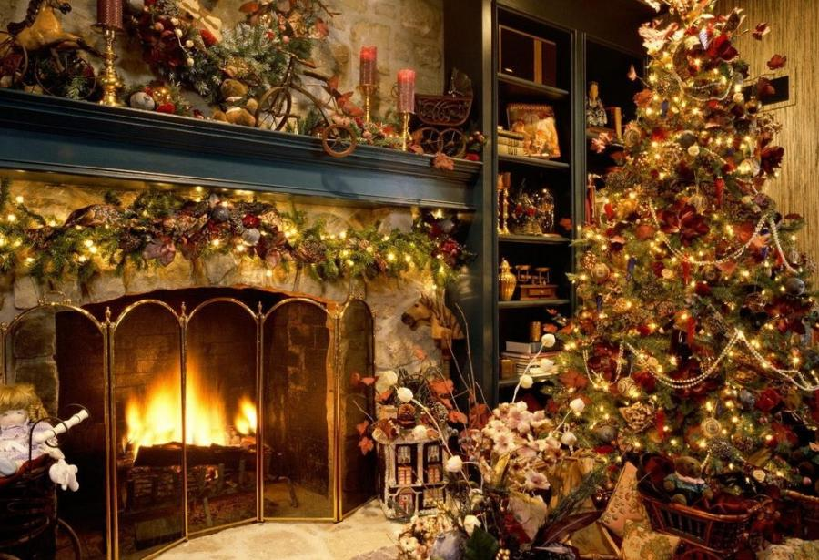 decorated christmas tree pictures and garland decor fireplace...