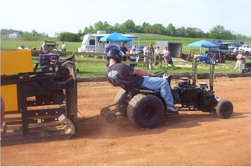 Souped Up Tractor : Garden tractor pulling photos