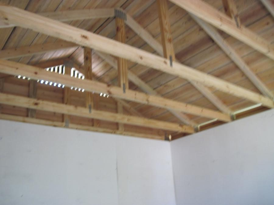 Exposed roof truss photos for Exposed roof trusses images