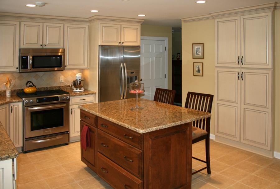 Photos of kitchen cabinets and islands for Cheap kitchen cabinets st louis