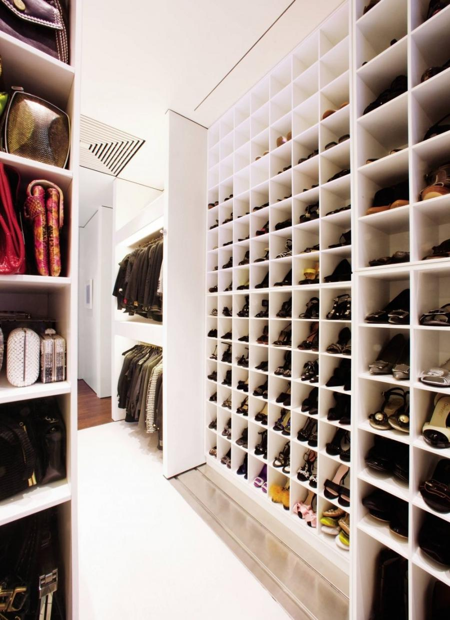 Modern Dressing Room/Closet and Jacobsen Architecture in...