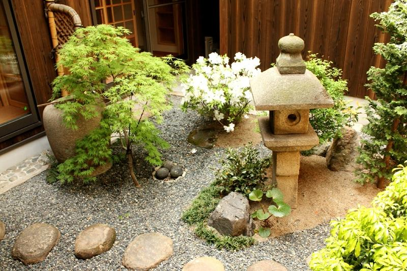 Japanese courtyard gardens photos for Jardin japonais miniature