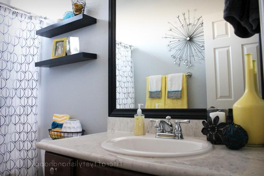 Gray and white bathroom photos for Black white and yellow bathroom ideas