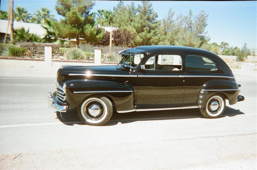 1948 2 door ford photo sedan for 1948 ford 2 door sedan