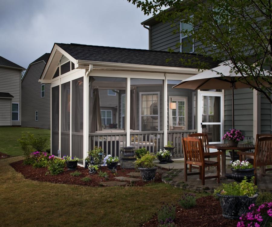 Small enclosed porch photos for Enclosed porches and sunrooms
