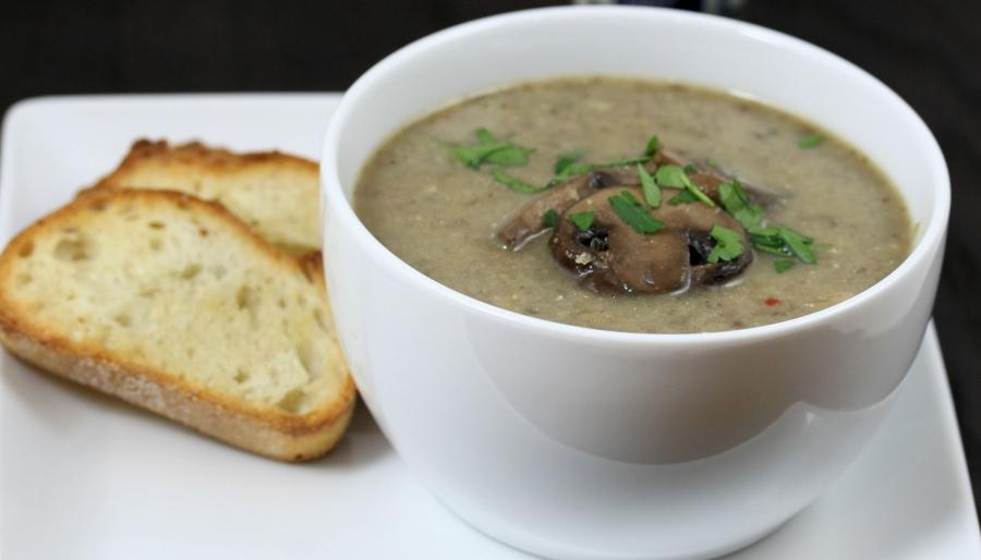 Recipe adapted from: Jamie Oliver (the real mushroom soup)