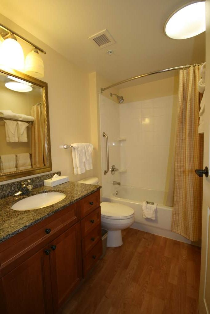 Bathroom Marriott Photo