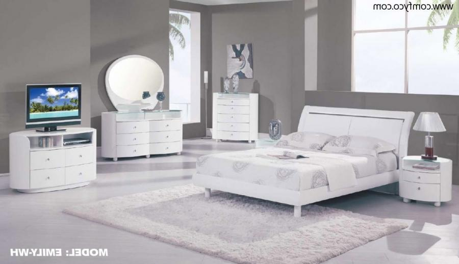 Easy On The Eye Attractive Modern Bedrooms: Lovely Clean White...