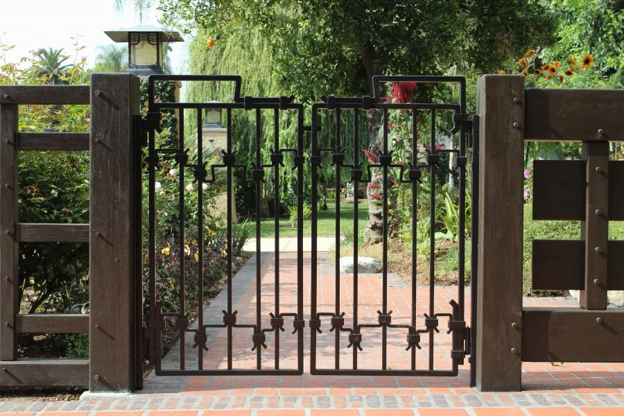Craftsman Style Gates Photos