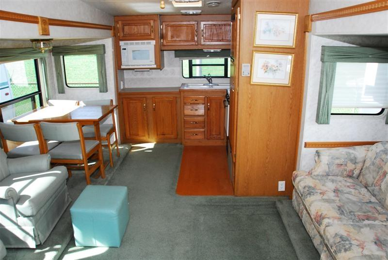Fifth Wheels And Interior Photos