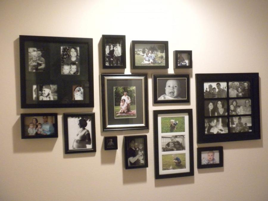 I saw that Melissa at the Inspired Room is having a Gallery Wall...