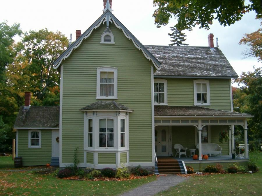 Historic House in Fall2006.JPG