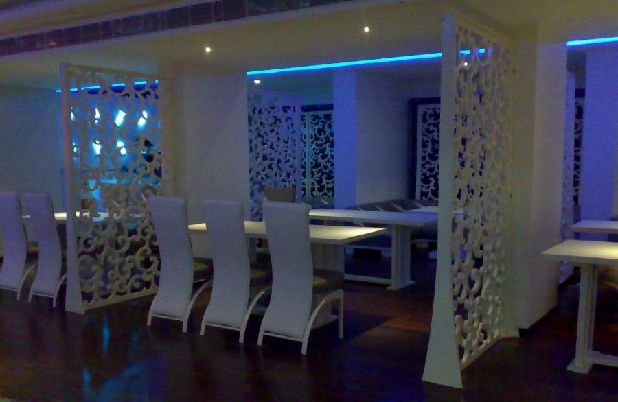 Photos of small restaurant interiors for Waterfall restaurant design