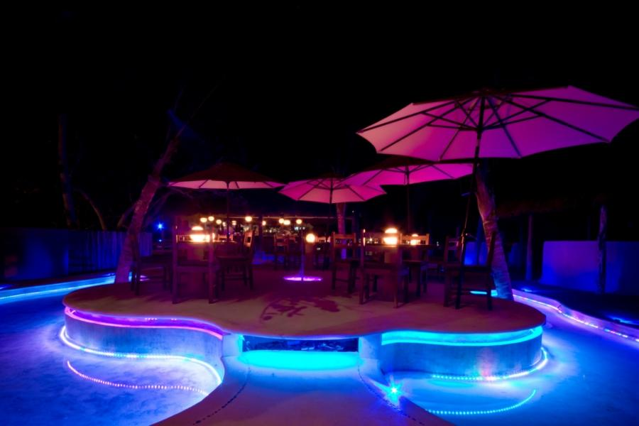Isla Mujeres Restaurants Bar  Lounges | Dinner  Drinks at Na...