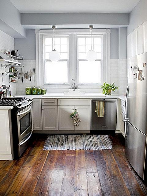 Kitchen, Nice Small Kitchen Decorating Ideas And Wooden Floor...