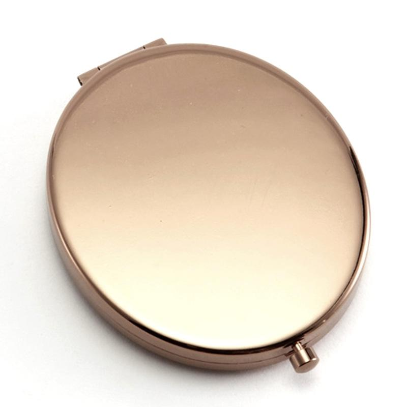 pact mirror with photo