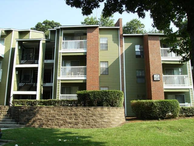 Strawberry Hill Apartments Charlotte Nc