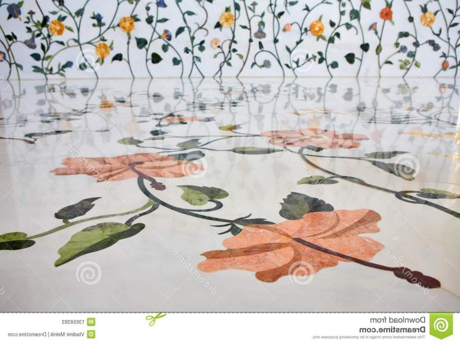 Wall and floor decoration in Sheikh Zayed Mosque