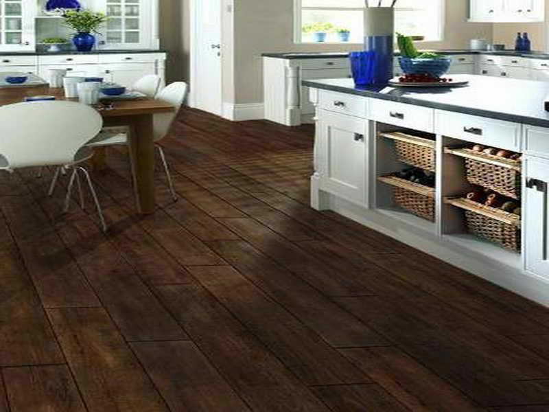 Ceramic tile with wood grain look