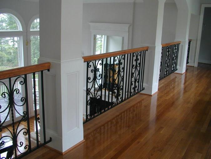Georgian revival balcony railing with castings
