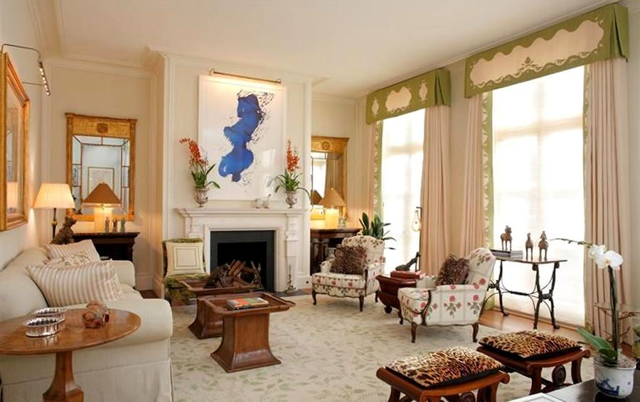Classic-Living-Room-Interior-Design-of-Pacific-Heights-
