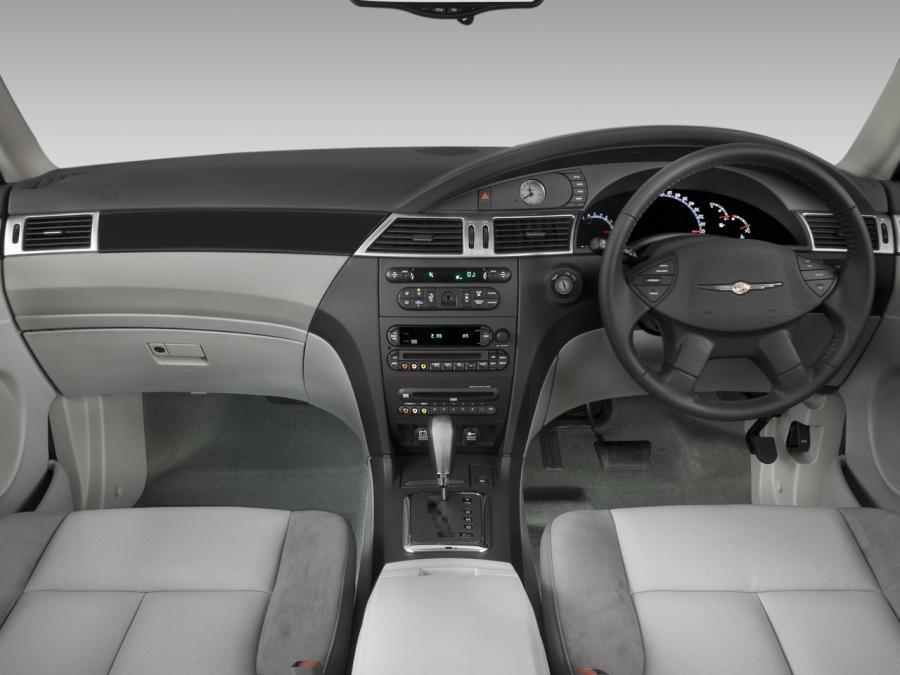 2004 Chrysler Pacifica Interior Photos
