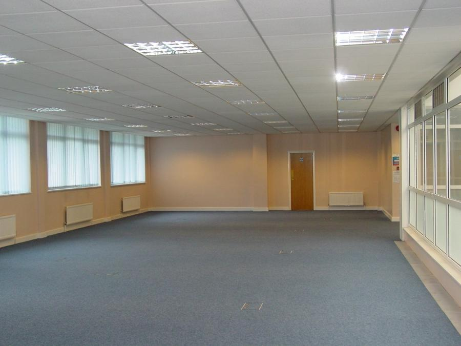 Open plan area with 600mm x 600mm suspended ceiling