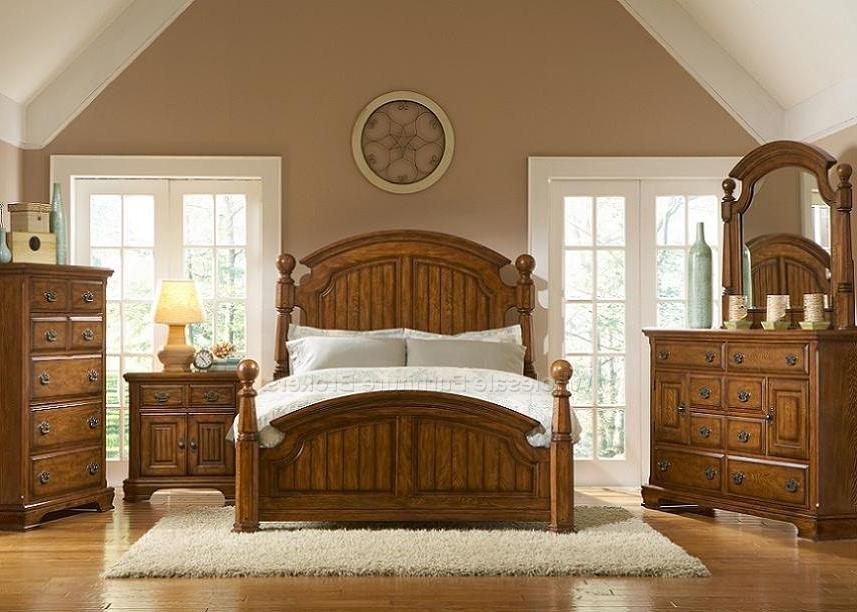 Country bedroom decorating photos for Country style master bedroom ideas
