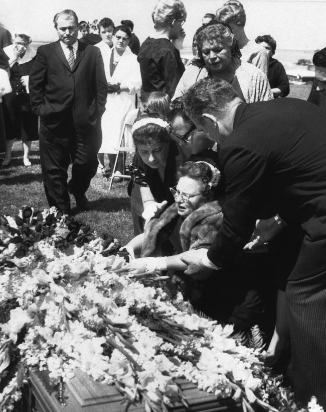 Photos of ritchie valens casket