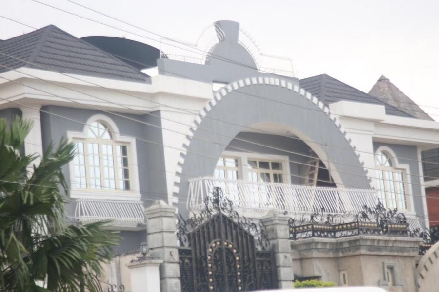 Photos of beautiful houses in nigeria for Beautiful mansions photos