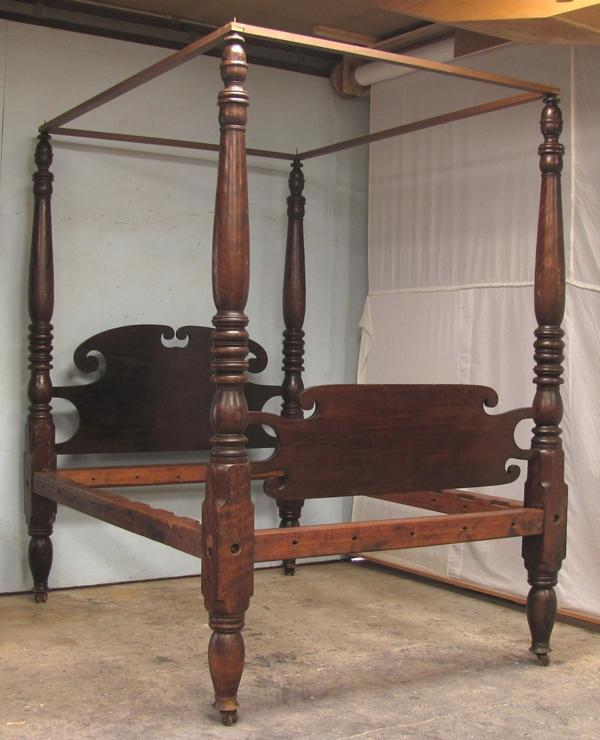 Photos Of Antique Beds
