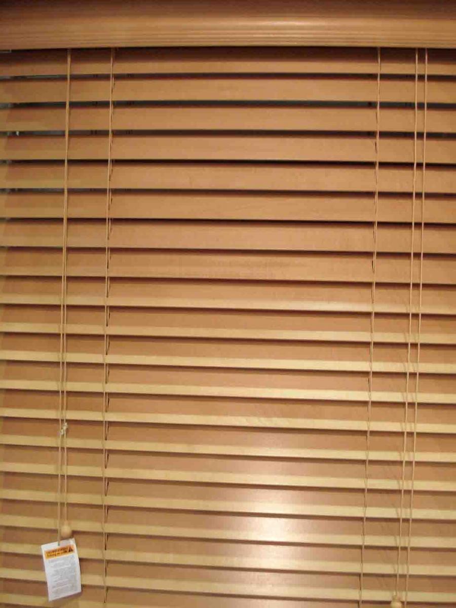 Kitchen Cabinet Dark Windowblinds