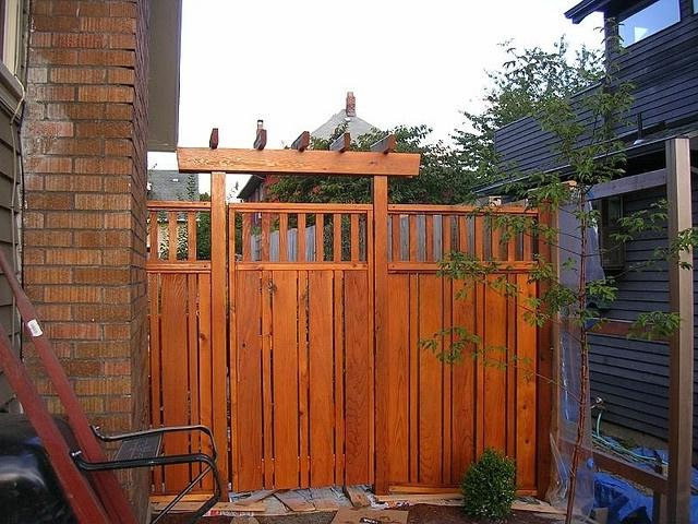 Craftsman style fence photos for Craftsman style fence