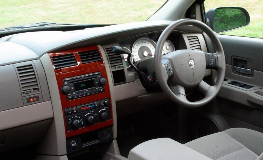 dodge durango photos interior. Black Bedroom Furniture Sets. Home Design Ideas