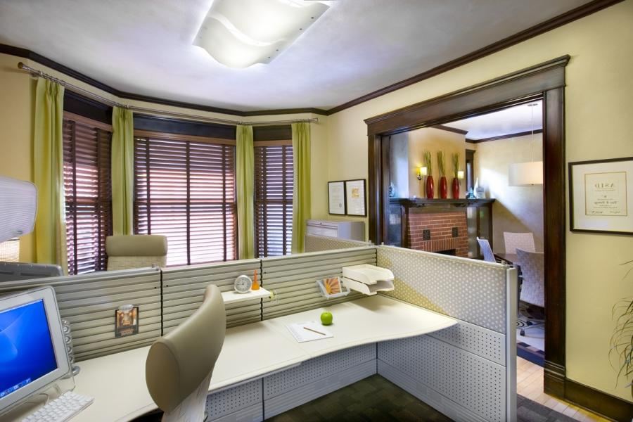 Sample photos office interior design for Sample office interior designs