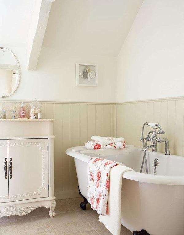 Country cottage bathroom photos for Cottage bathroom ideas renovate