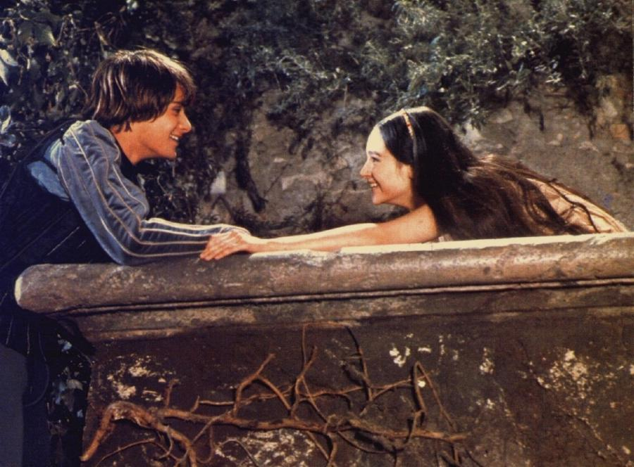 Leonard Whiting as Romeo, and Olivia Hussey as Juliet, in the...