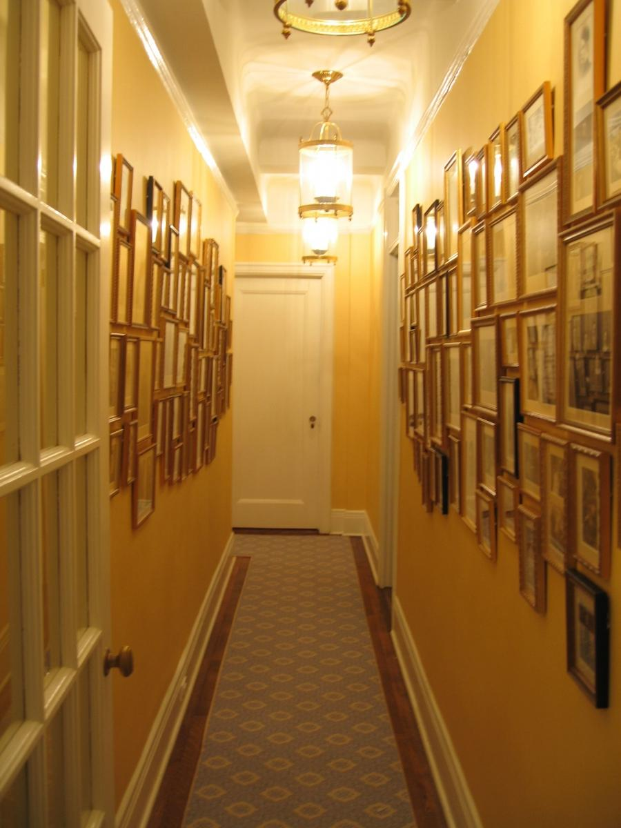 wall decor ideas for hallways - family photos
