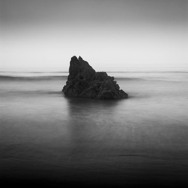 Black and white landscape photography: how to make moody...