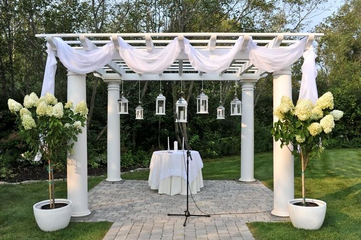 Pergola decorations - Carrie Pellerin Photography